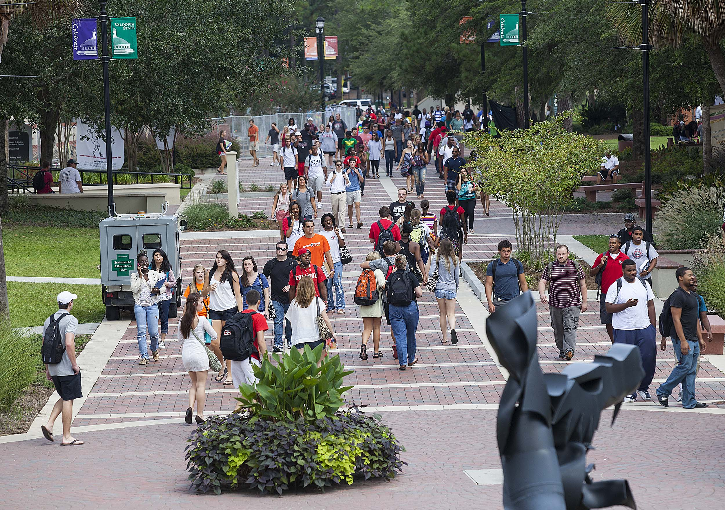Students on pedestrian mall